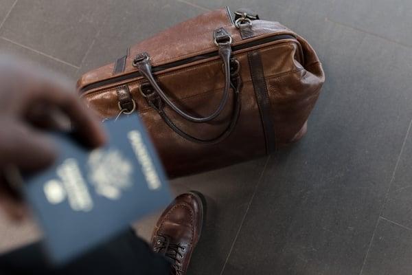 briefcase-case-fashion-1058959